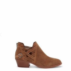 NWT Vince Camuto Pranika brown ankle booties 6.5